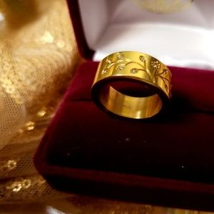 Golden TREE of LIFE Ring ~ Goes Round Your LOVE